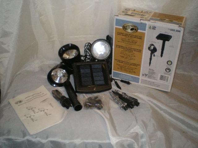 Hampton Bay 3 Light LED Spotlight Kit w Remote Solar Panel Blck SKU